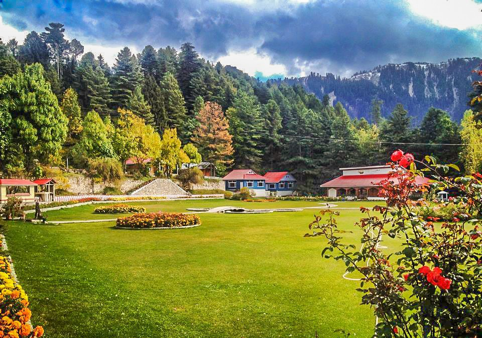 Murree Nathiagali and Shogran Honeymoon Tour Package for Couples (5 Days 4 Nights)